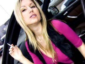 carol-goldnerova-smoking-in-a-car2.jpg